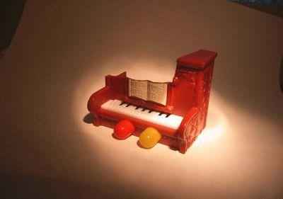 Piano-tracyh.jpg